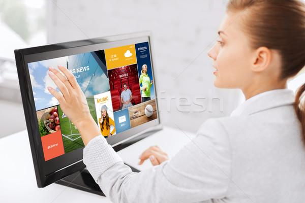 Kadın web dokunmatik ekran ofis iş adamları Stok fotoğraf © dolgachov