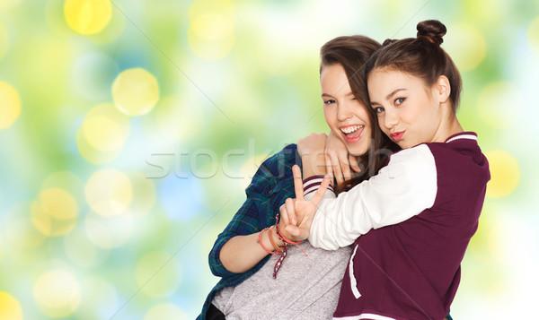 Mutlu barış imzalamak Stok fotoğraf © dolgachov