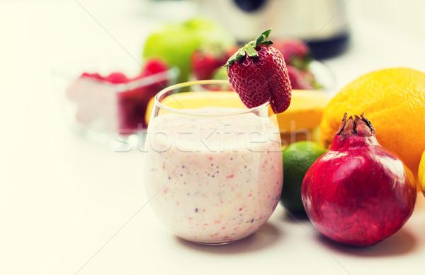 стекла молочный коктейль плодов приготовления Сток-фото © dolgachov