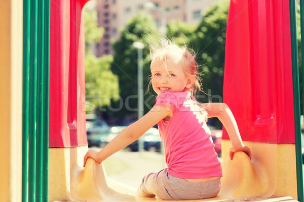 Heureux petite fille slide enfants aire de jeux été Photo stock © dolgachov