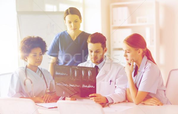 グループ 医師 X線 画像 放射線学 ストックフォト © dolgachov