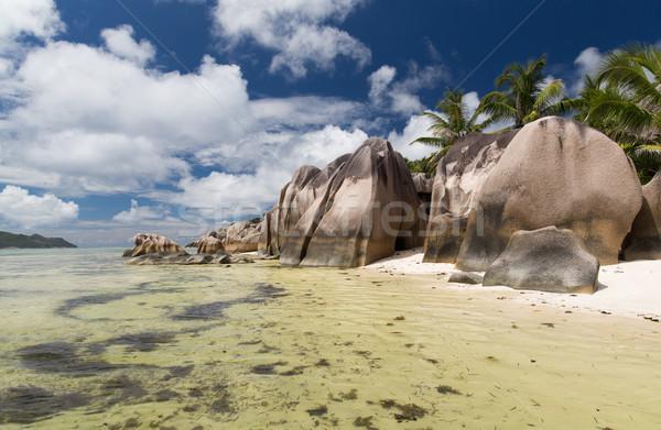 Sziget tengerpart indiai óceán Seychelle-szigetek utazás Stock fotó © dolgachov