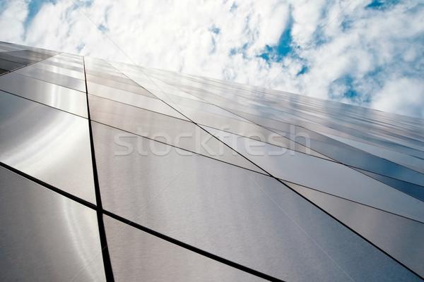 Edifício moderno ver novo céu cidade Foto stock © donatas1205