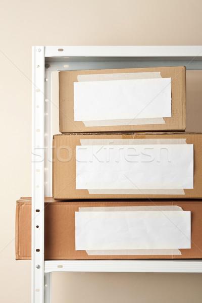 Karton kutuları etiketler hareketli depolama duvar Stok fotoğraf © donatas1205