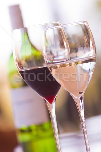 Szemüveg borosüveg kettő bor piros fehér Stock fotó © Donvanstaden