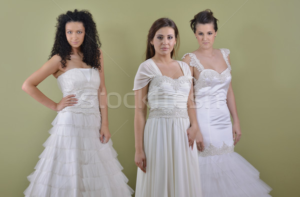 Portre üç güzel bir kadın gelinlik gelin arkadaşlar Stok fotoğraf © dotshock