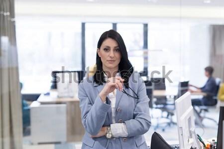 Portret piękna młoda kobieta student relaks przerwa na kawę Zdjęcia stock © dotshock