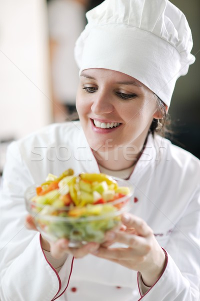 Szakács étel gyönyörű fiatal nő ízletes Stock fotó © dotshock