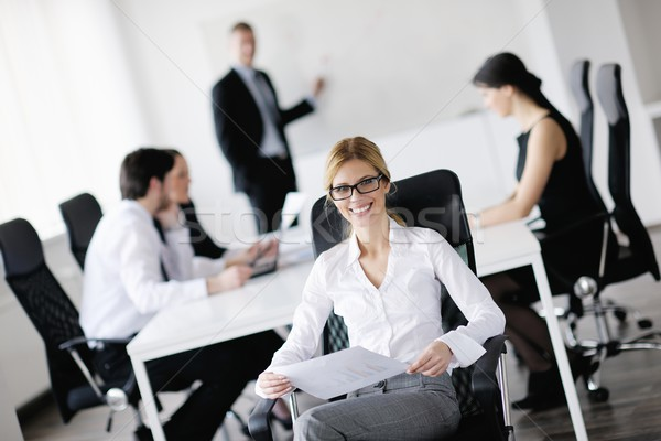 Foto stock: Mujer · de · negocios · personal · personas · grupo · moderna · brillante