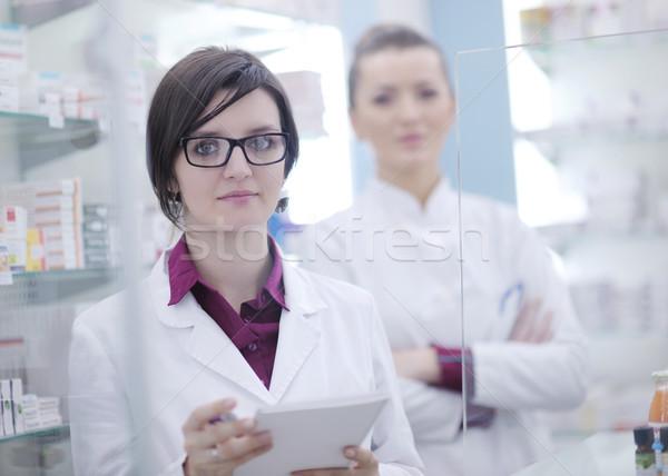 Team apotheker scheikundige vrouw apotheek drogist Stockfoto © dotshock