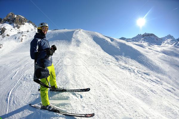 Zdjęcia stock: Narty · świeże · śniegu · sezon · zimowy · piękna