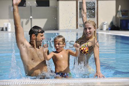 ストックフォト: 幸せ · 小さな · 家族 · 楽しい · スイミングプール · 夏休み