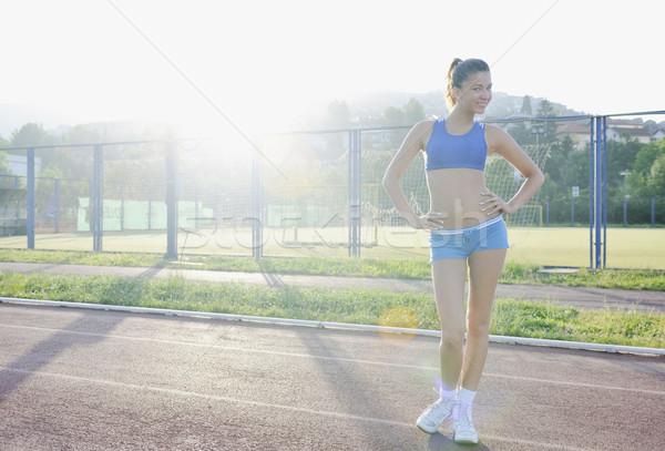 Stok fotoğraf: Mutlu · genç · kadın · yarış · pisti · dinlenmek · kadın
