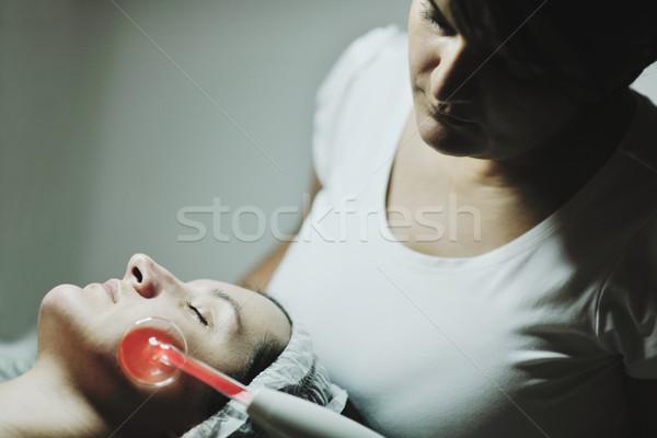 Nő maszk kozmetikai stúdió fiatal gyönyörű nő Stock fotó © dotshock