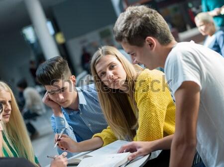Gelukkig tieners groep school jonge leuk Stockfoto © dotshock