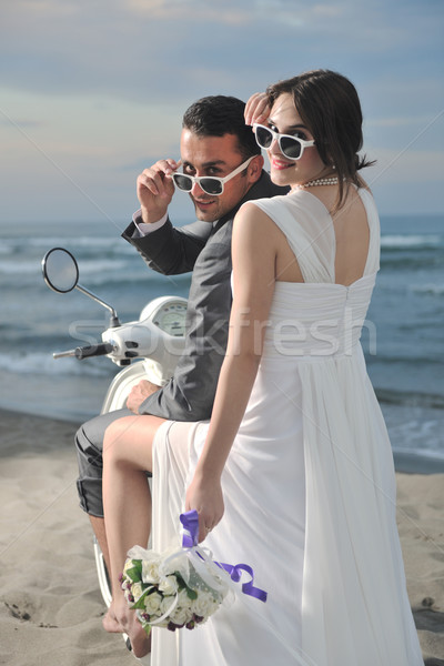 Foto stock: Recién · casados · Pareja · playa · blanco · boda