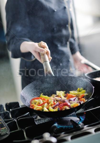 Chef comida hermosa jóvenes mujer sabroso Foto stock © dotshock