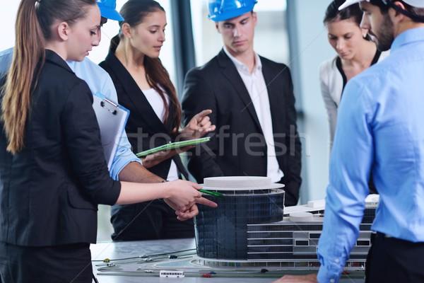 üzletemberek mérnökök megbeszélés csoport bemutató fényes Stock fotó © dotshock