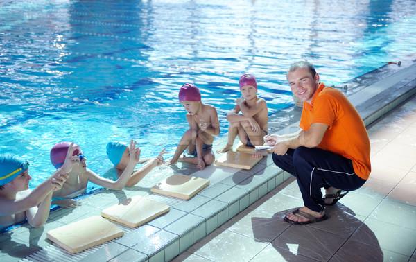Mutlu çocuklar grup yüzme havuzu çocuklar sınıf Stok fotoğraf © dotshock