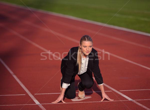 üzletasszony kész futás kezdet pozició fut Stock fotó © dotshock