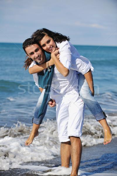 Zdjęcia stock: Szczęśliwy · zabawy · piękna · plaży · biały