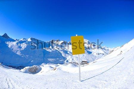 Foto stock: Alto · montanhas · neve · inverno · fresco · temporada · de · inverno