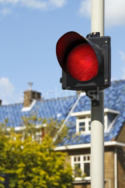Parlak kırmızı dur işareti trafik evler gökyüzü Stok fotoğraf © duoduo