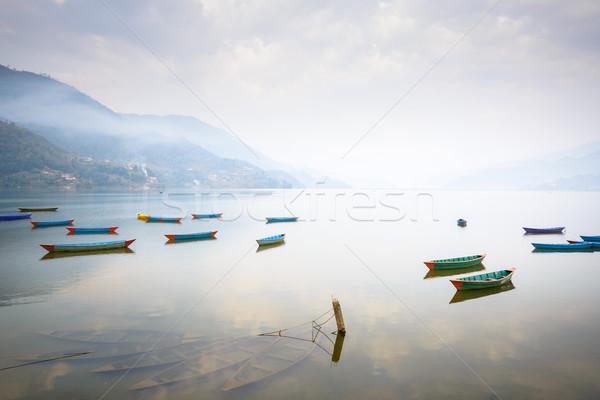 Lago Nepal barcos tres primer plano agua Foto stock © dutourdumonde