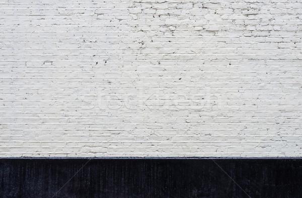 Beyaz tuğla duvar siyah Bina inşaat duvar Stok fotoğraf © dutourdumonde