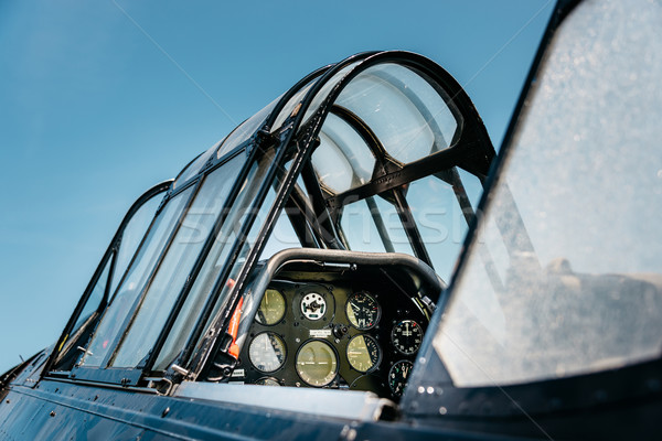 Vintage airplane cockpit Stock photo © dutourdumonde