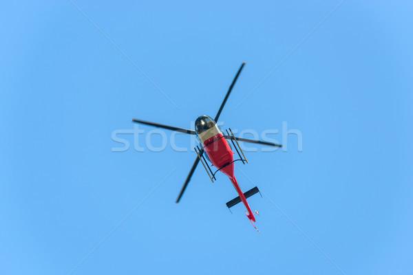 Helikopter vlucht Rood witte blauwe hemel medische Stockfoto © dutourdumonde