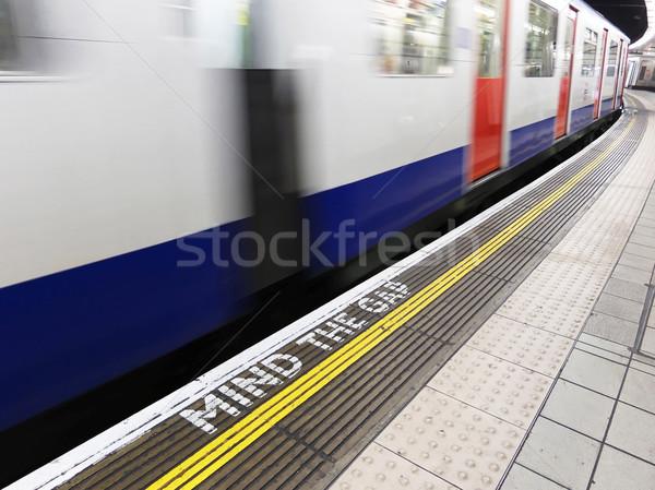 Londen ondergrondse geest kloof waarschuwing teken Stockfoto © dutourdumonde