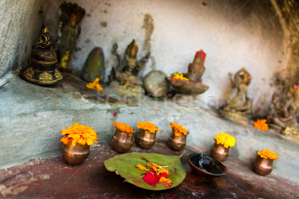 Klein tempel frans oranje Rood god Stockfoto © dutourdumonde