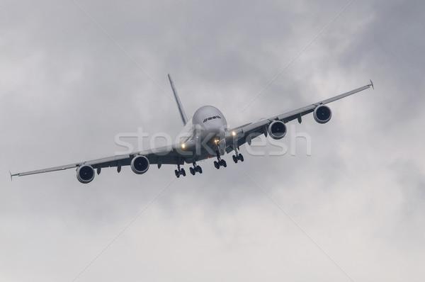 Slechte weer landing technologie vliegtuig vliegtuig witte Stockfoto © dutourdumonde