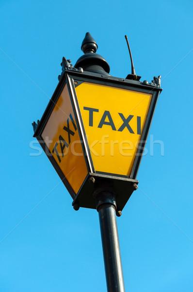 Taksi imzalamak Londra bağbozumu şehir yaz Stok fotoğraf © dutourdumonde