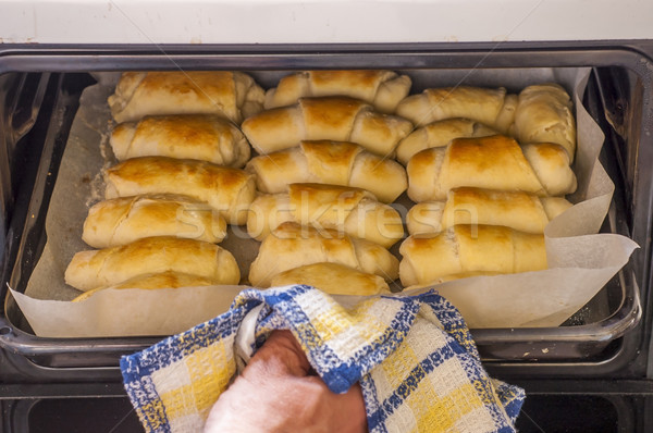 Tuzlu tereyağı rulo ekmek taze fırın Stok fotoğraf © dzejmsdin