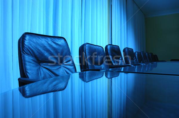 Tárgyalóterem üres kék megbeszélés konferencia pénzügy Stock fotó © dzejmsdin