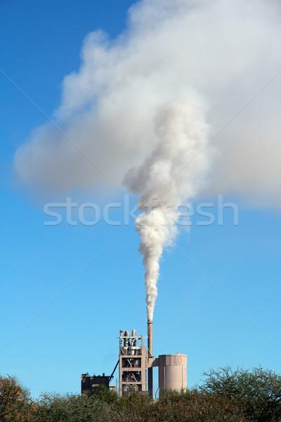 Industrielle smog fumée vent ciel bleu Photo stock © EcoPic