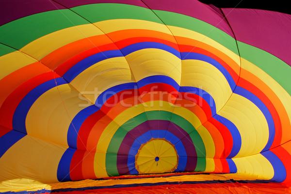 Foto stock: Balão · de · ar · quente · dentro · colorido · voar · raça · padrão