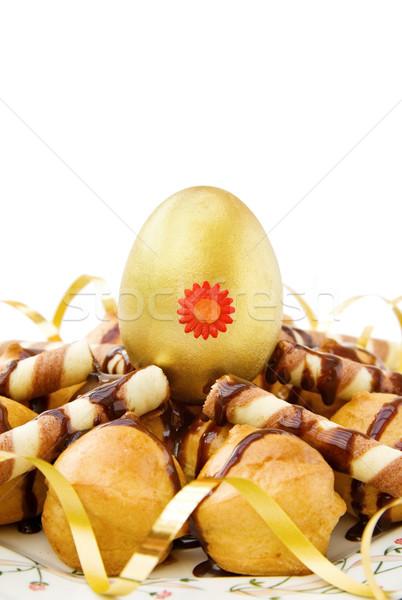 Paskalya altın yumurta dekore edilmiş çikolata yalıtılmış Stok fotoğraf © Eireann