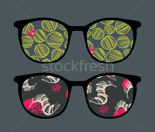 ретро Солнцезащитные очки интересный отражение очки изолированный Сток-фото © ekapanova
