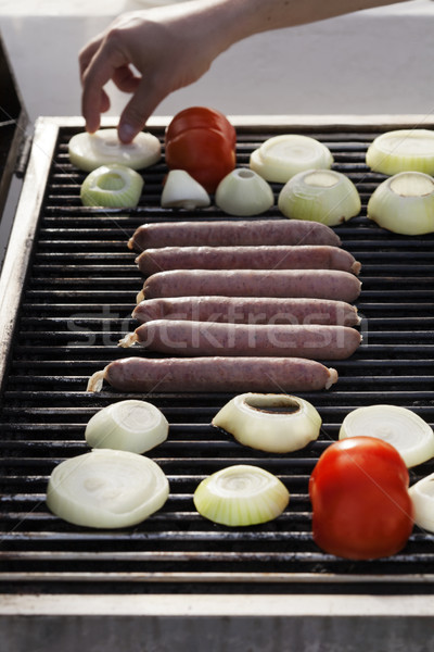 Zdjęcia stock: Kiełbasy · pomidory · cebule · grill · cebula · plastry