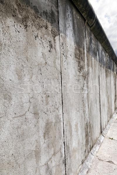 Berlin orijinal duvar bölüm görmek Stok fotoğraf © eldadcarin