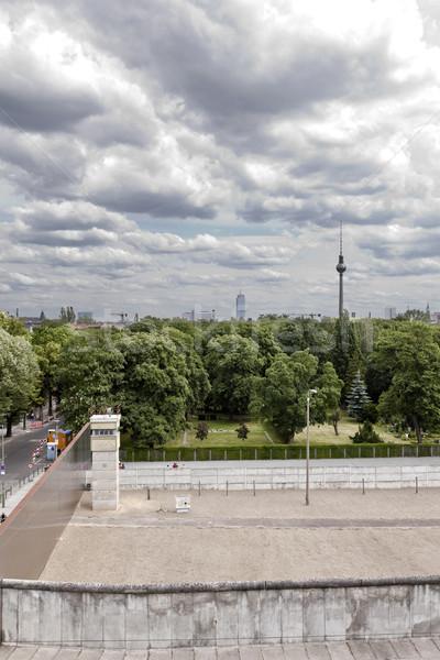 Berlin orijinal sınır bölüm duvarlar kule Stok fotoğraf © eldadcarin