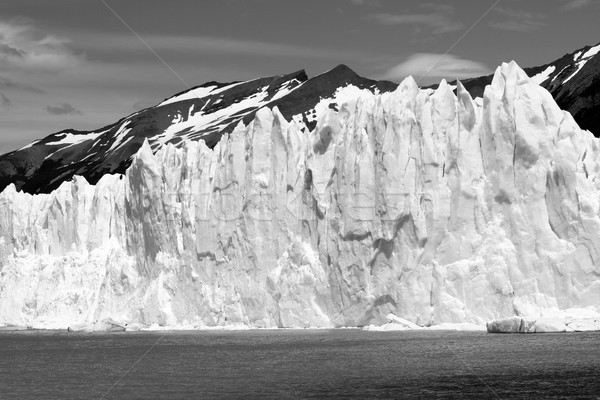 Iceberg falaise eau montagne ciel nature Photo stock © eldadcarin