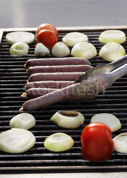 Kiełbasa kiełbasy cebula plastry pomidorów Zdjęcia stock © eldadcarin