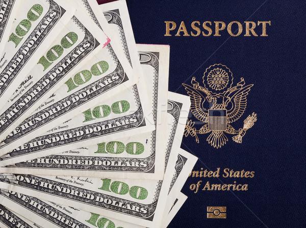 Pieniężnych amerykański paszport ilość 100 Zdjęcia stock © eldadcarin