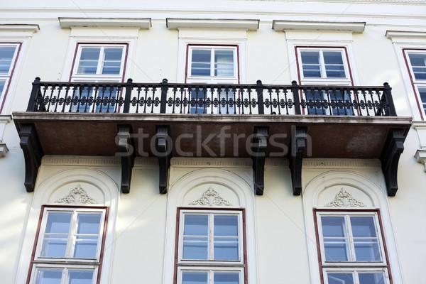 Budapeszt weranda antyczne budynku Węgry Zdjęcia stock © eldadcarin