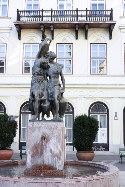 Szökőkút szobor Budapest Magyarország 2009 klasszikus Stock fotó © eldadcarin
