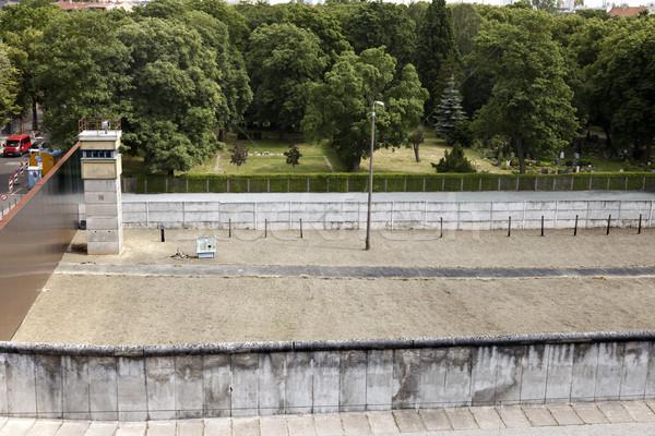 Berlim original fronteira seção paredes torre Foto stock © eldadcarin